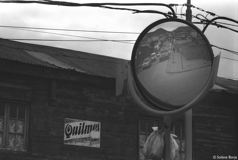 dans--la-loupe-miroir-Rivadavia-B&W